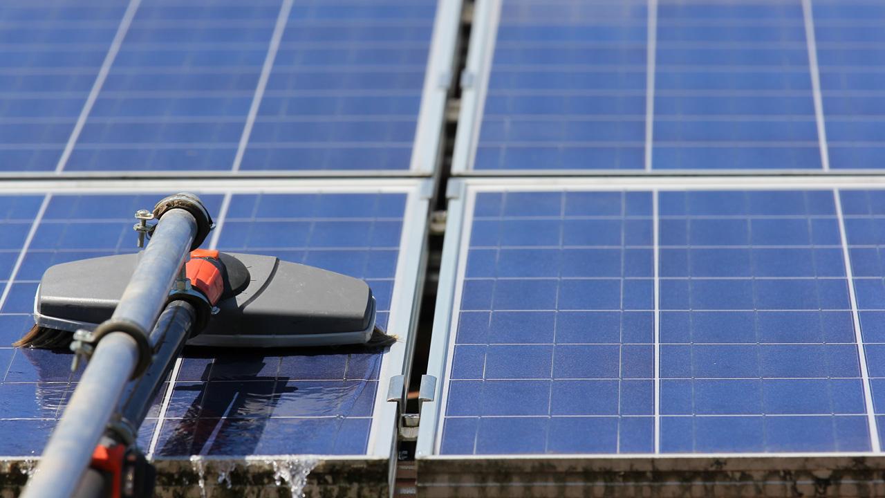 Pulizia pannelli solari, pulizia pannelli fotovoltaici, lavaggio pannelli fotovoltaici